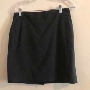 NWOT Gray Banana Republic Skirt w/ Pockets